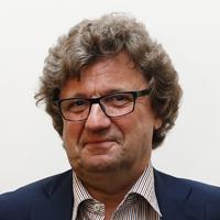 bestuurlijk moderator Jean Eigeman